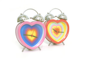 heart-alarm-clock-with-love-1422046-640x480
