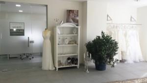 Poročni salon White Couture prinaša poročno svežino in novo svetovno priznano znamko poročnih oblek Pronovias - White one na slovenski trg. Vir: White Couture