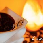 Poročna prstana predstavljata večnost. Foto: KMarcella Photography