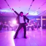 Sara in Žiga sta navdušila s poročnim plesom!