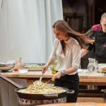 Petra Starbek poprime tudi za kuhalnico. Foto: Jean Kanoyev Photography