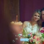 Monika in Borut sta bila ganjena nad čustvenimi govori svatov. Foto: Jean Kanoyev Photography