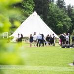 Civilni obred se je odvil pod šotorom. Foto: Max Verderber