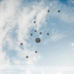 Po obredu so svatje spustili balone. Foto: Max Verderber