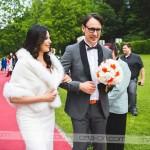 """Ženin in nevesta sta se nato skupaj sprehodila do kraja, kjer sta dahnila """"da"""". Foto: Max Verderber"""