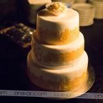 Torta v belo oranžni barvi kombinaciji iz Slaščičarne Grad je navdušila tako z videzom, ... Foto: Max Verderber