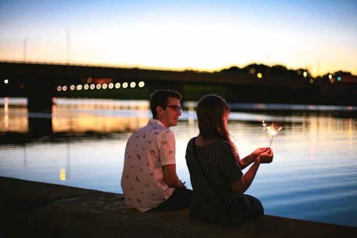 kam na prvi zmenek